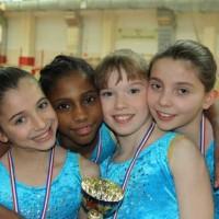 Oréane, Noémie, Manon et Louna arrivent première au championnat départemental par équipe en 2011